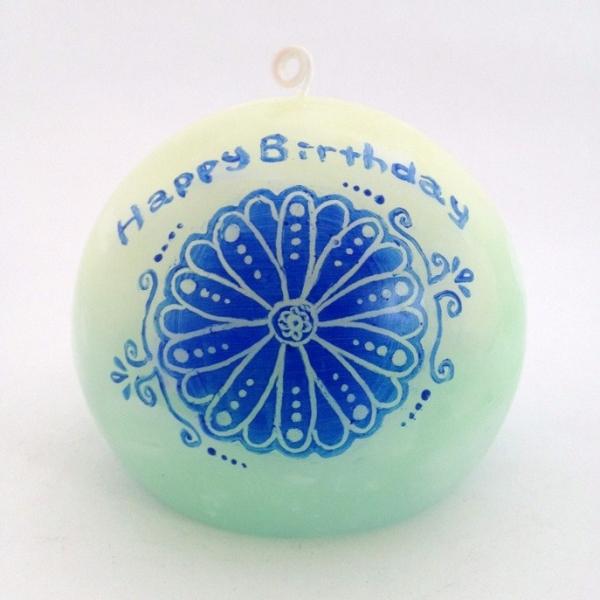 お誕生日にキャンドルをプレゼントしてみてはいかがでしょう☆