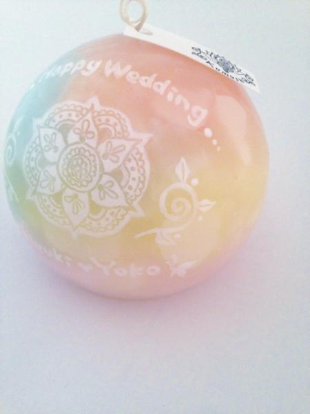 結婚祝いのプレゼントに、新郎新婦のお名前が入ったキャンドルを...