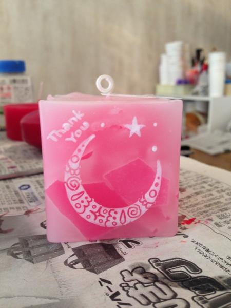 日頃の感謝の気持ちを込めて...お母さんの名前を入れたキャンドルをプレゼント☆