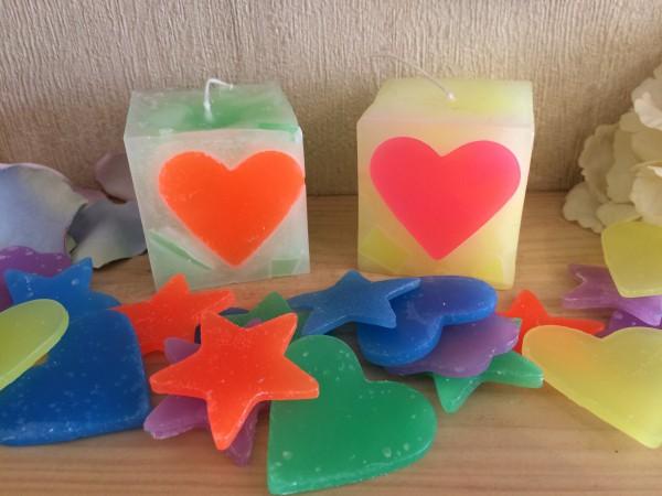 ハートや星のブロックを使って作るキューブキャンドル作り
