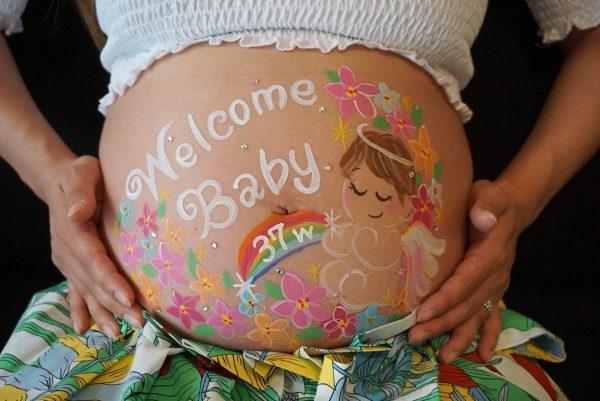 赤ちゃんのデザイン♡お花畑と虹のアートも入れて華やかに♪
