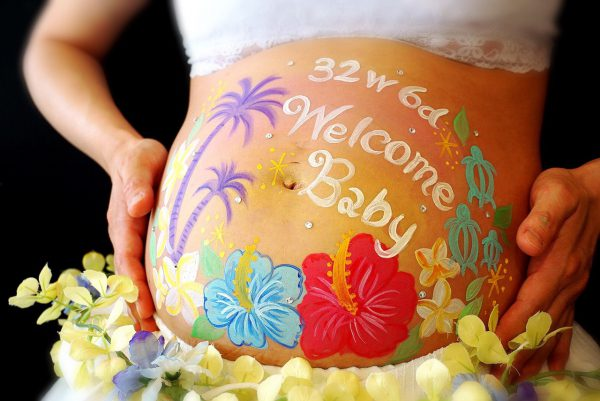 夏に生まれてくるお子様へ♡ハワイをイメージしたマタニティペイント&マタニティフォトのプラン♪